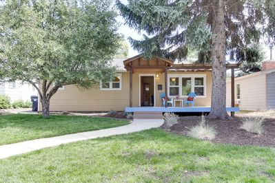 The Cascade Cottage is just a couple blocks to the river AND downtown Bend!