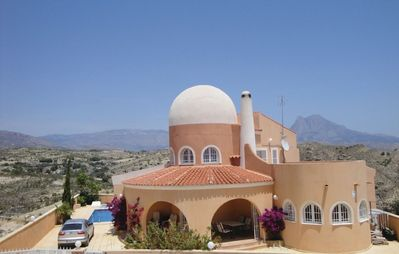 Photo for Nice villa in a great location with great sea views, 2 min from the beach