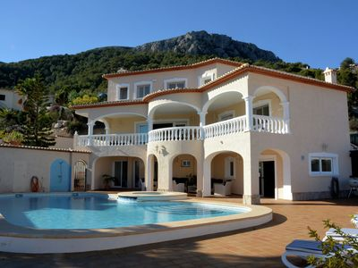 Photo for Stunning detached villa with private pool and clear view over Calpe