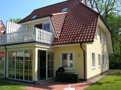 Photo for Quiet, centr. located apartment f. 4 pers. m. South-west terrace in Prerow a. d. darß