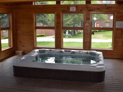 Trail Creek 2 bedroom  Queen/2twins sleeper Hot Tub Sauna Walk To Lifts/Shuttle