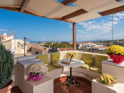 Photo for Color-Filled LATO apartment, Pool view, close to Rethymno, Crete
