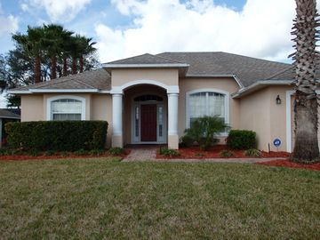 Luxury home, pool,spa and covered lanai/ Disney 15 min away,