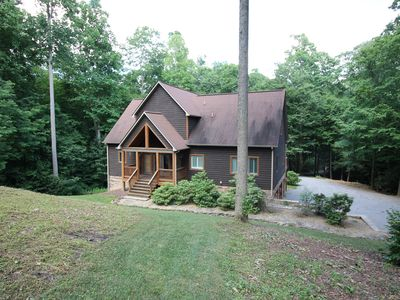 Photo for Gorgeous four bedroom 4 bathroom mountain cabin. Easy access, wood-burning FP.