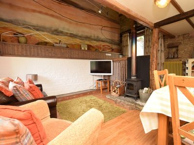 A totally original cottage with feature artwork wall