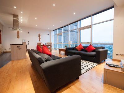 Photo for 3BR Apartment Vacation Rental in Glasgow, Scotland