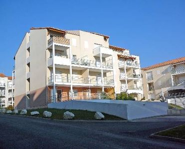 Photo for 1BR Apartment Vacation Rental in Poitou-Charentes, Charente-maritime