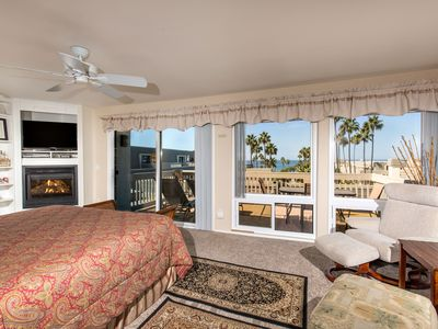 Photo for Rare 3BR Penthouse~West-facing Pano Ocean View, 2 Parking Spaces