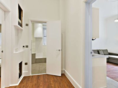 Photo for Lovely Modern 1 Br In Hyde Park, Bayswater