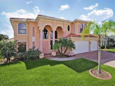 Photo for Villa Royale, Cape Coral  in Florida Westküste - 10 persons, 5 bedrooms