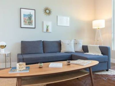Photo for Executive 2 Bedroom / 2 Bathroom Modern Apartment - Two Bedroom Aparthotel, Sleeps 6