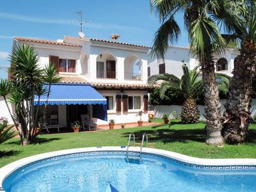 Search 948 holiday rentals