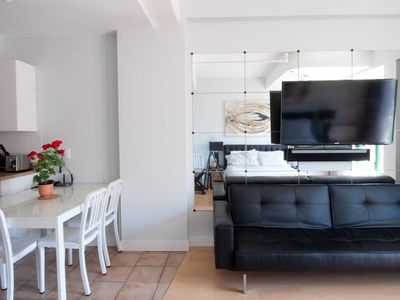 Photo for Simple Studio in the Plateau - One Bedroom Apartment, Sleeps 2
