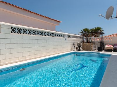 Photo for Tranquil 3 bedroom villa with private heated pool