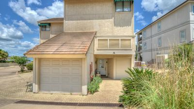 Photo for Perfect 3Bdr, 3.5Ba Lakefront Townhouse in Horseshoe Bay