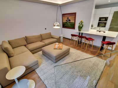 Photo for Beautiful luxurious apartment fully renovated and equipped. Wifi,. Centrico (A)