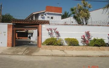 House In Caraguá With Pool And Barbecue Near New Shopping Serramar