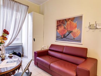 Photo for Trastevere Belli apartment in Trastevere with WiFi, air conditioning & lift.