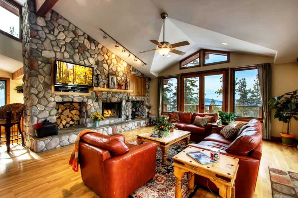 Living Room 50 Off great specials w/ 50% off add. nights afte - vrbo