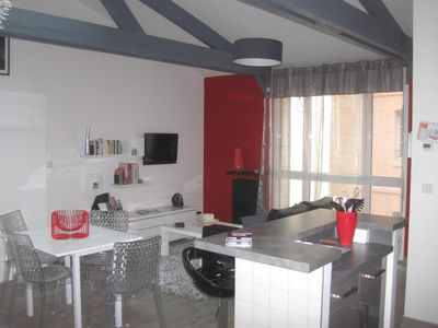 Photo for Comfortable apartment, between port, beach and downtown, 2 to 4 people