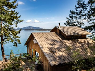 Photo for Waterfront, Amazing Views, Near Friday Harbor. Channel House #333