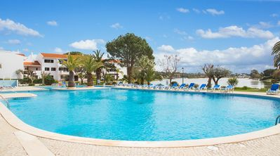 Photo for One bedroom Villa, sleeps 2 in Quinta do Lago with Pool, Air Con and WiFi