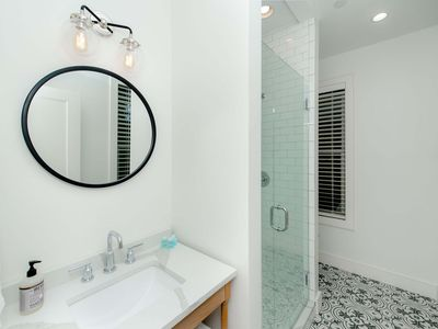 Photo for Guesthouse Charleston: WEST (242 B)