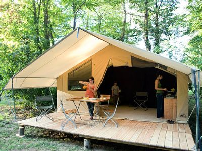 Photo for Campsite Huttopia Le Moulin *** - Tente Toile & Wood 3 Rooms 5 People