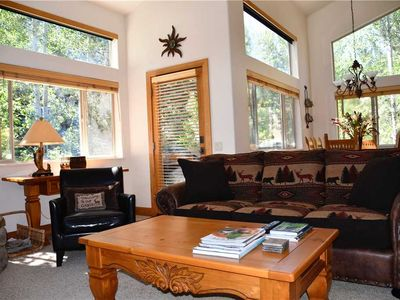 Photo for Bright, Top-Floor End Unit with Private Deck/BBQ; Close to Downtown