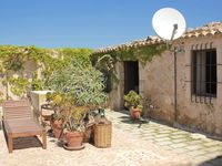 Lovely hacienda with plenty of room and pool but close to busy road