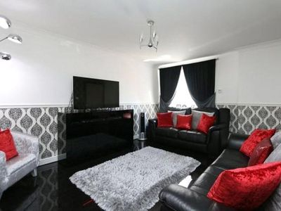 Photo for 3BR House Vacation Rental in Liverpool