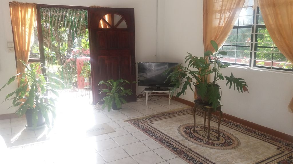Spacious apartment, relaxed, warm, friendly tropical atmosphere.