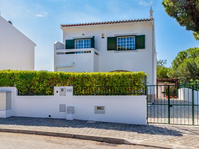 Photo for Charming villa with private Jacuzzi, 500 meters from the beach - 13136/AL