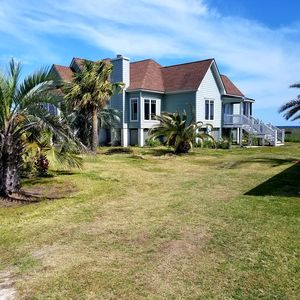 Photo for A MAGICAL, BEAUTIFUL AND WATERFRONT LOW COUNTRY RETREAT.  GREAT REVIEWS!