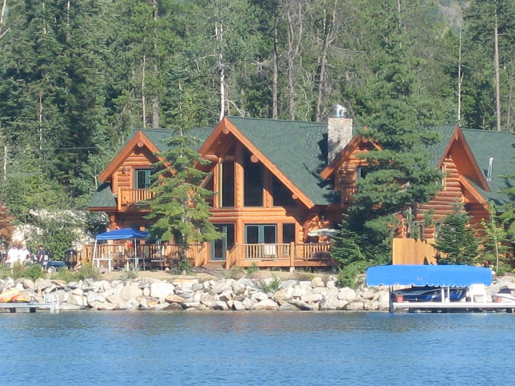 Waterfront Log Home Family Getaway On The Water Large