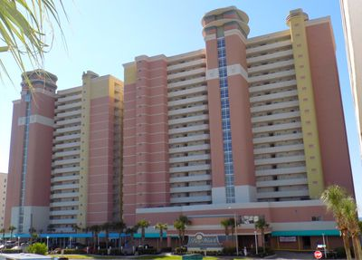 3 high-rises in our complete resort with 18 water amenities