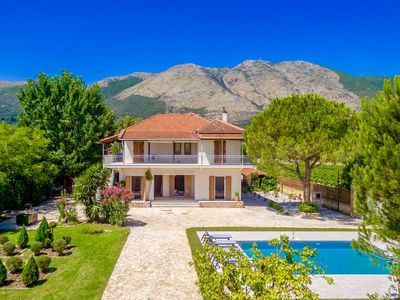 Photo for Spacious villa with 5 bedrooms and private pool located close to Alykes
