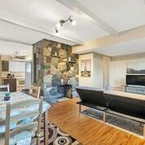 Photo for Clean+Spacious 1 Bed/1 bath unit-20 min from Van.