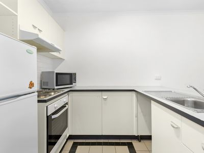 Photo for Dawn, 2 Bedroom easy walk to Melbourne CBD!