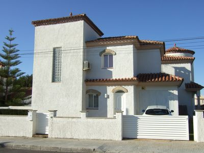 Photo for Impressive Villa, Familly Oriented, only 800 meter from the beach