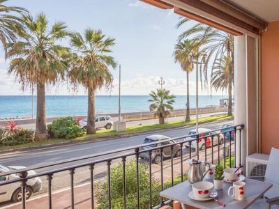 Photo for Apartment Galets d'Azur Promenade des Anglais in Nice - 4 persons, 1 bedrooms