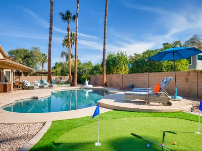 Photo for PARADISE PALMS 5BD/2.5BA SPA+POOL+PUTTING GREEN!