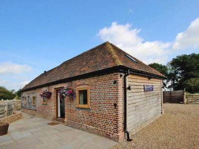 Photo for holiday home, Tenterden  in Kent - 6 persons, 3 bedrooms