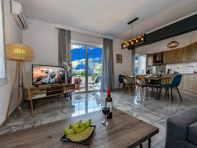 Photo for Luxurious 2 bedroom house just a step from the sea!