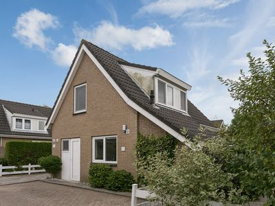 Lovely holiday home in Ouddorp (including bikes)