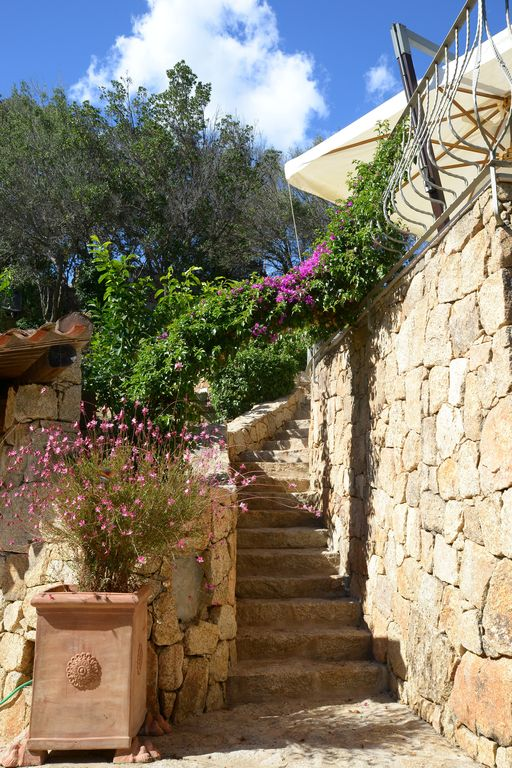 Costa Smeralda Splendid Villa With Pool 150 Meters From The Sea Surrounded By Greenery