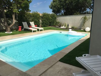 Photo for Villa with swimming pool on the Côtes du Rhône tourist route