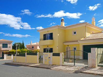 Photo for CASA PERGOLA CHARMING VILLA WITH PRIVATE SWIMMING POOL NEAR ALBUFEIRA AND BEACHES