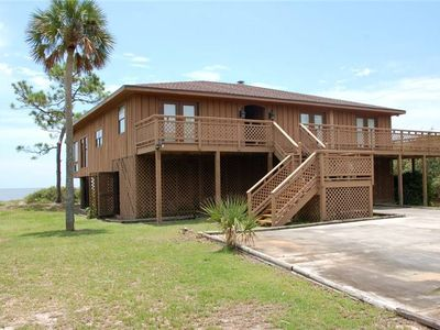 Photo for Crossed Palms- Large, cozy home located in the heart of Old Florida