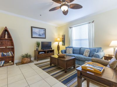 Cozy Coastal Condo, 1/2 Block to Beach & Pool! Perfect for Couple or Small Family Getaway!